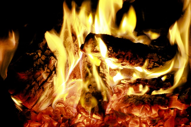 Legna, pellet e tutto ciò che occorre per riscaldare la casa