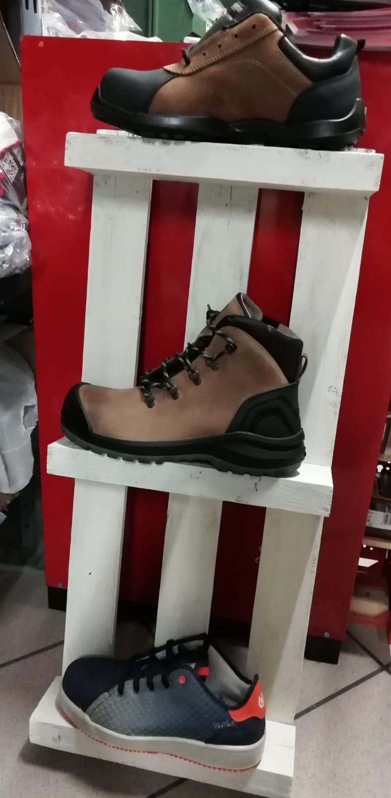 Le scarpe antinfortunistiche Base Protection le trovi da Ferramenta Elena